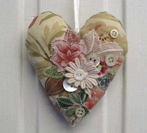 hearts, calico and old linen 039