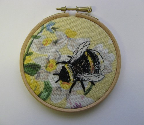 bee emb hoop picture 3
