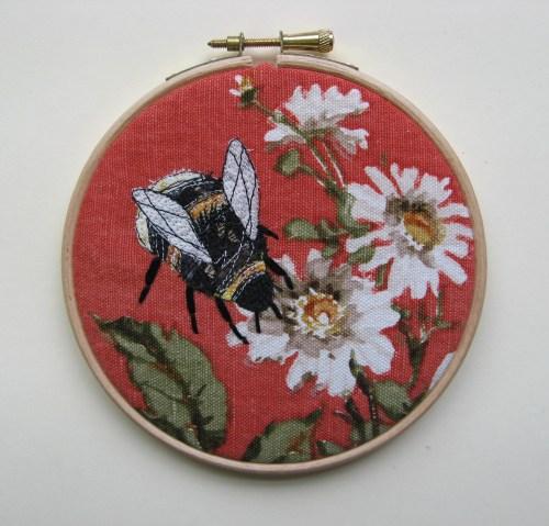 5 inch bee hoop 011