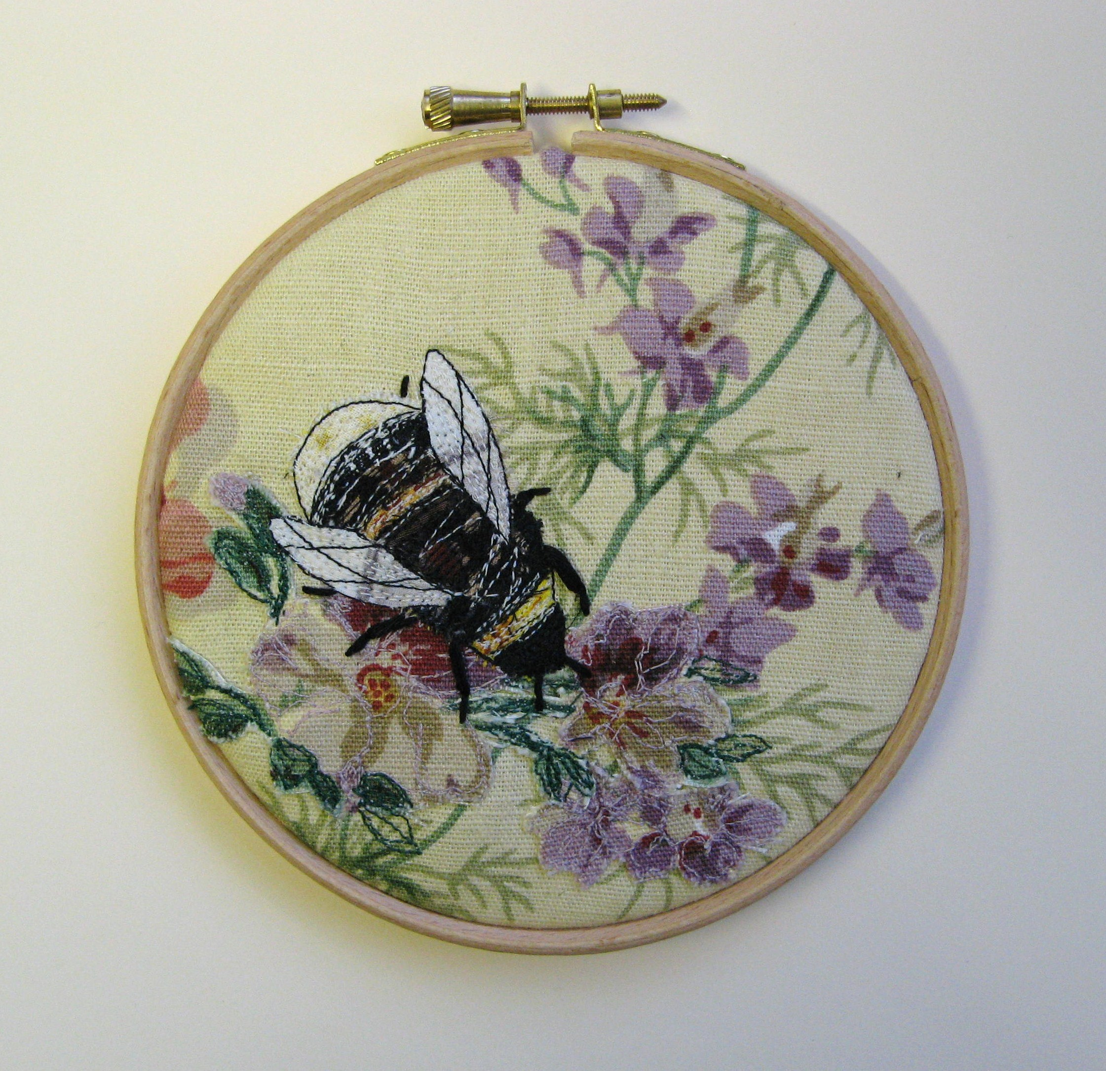 Embroidered bumble bees agnesandcora