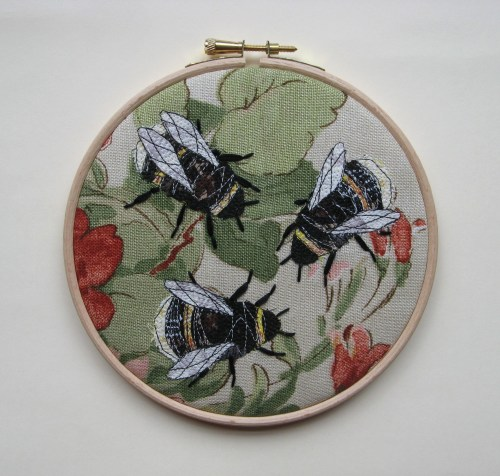 bee embroidery 9th august 017