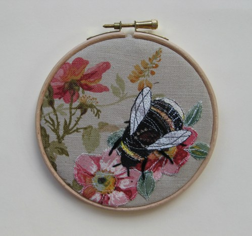little bee embroidery 008